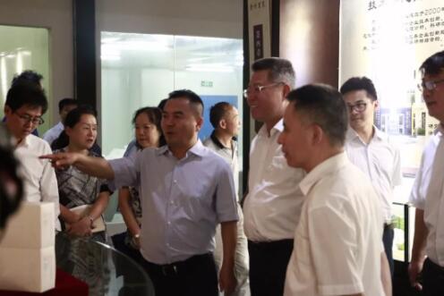 贵州省副省长王世杰赴贵州百灵调研 鼓励企业加强创新做大做强